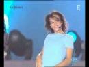 Хорошея певица  француженка  Красавица Ализе. Кстати,протеже Милен Фармер ))